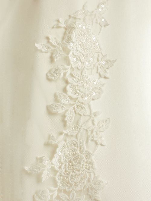 assets/images/1/S342-Bianco-Evento-bridal-veil-%282%29-72b47aba.jpg